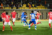 Bengaluru FC midfielder Alwyn George tries to make his way through the Transport United defense in an AFC Cup Preliminary Stage clash at the Changlimithang Stadium, in Thimphu. (Photo courtesy: Bengaluru FC)