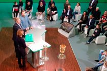 DFB-Pokal (German Cup) quarterfinal draw at the Deutsches Fußballmuseum: Oliver Roggisch, Horst Hrubesch and Jessy Wellmer. (Photo: CPD Football)