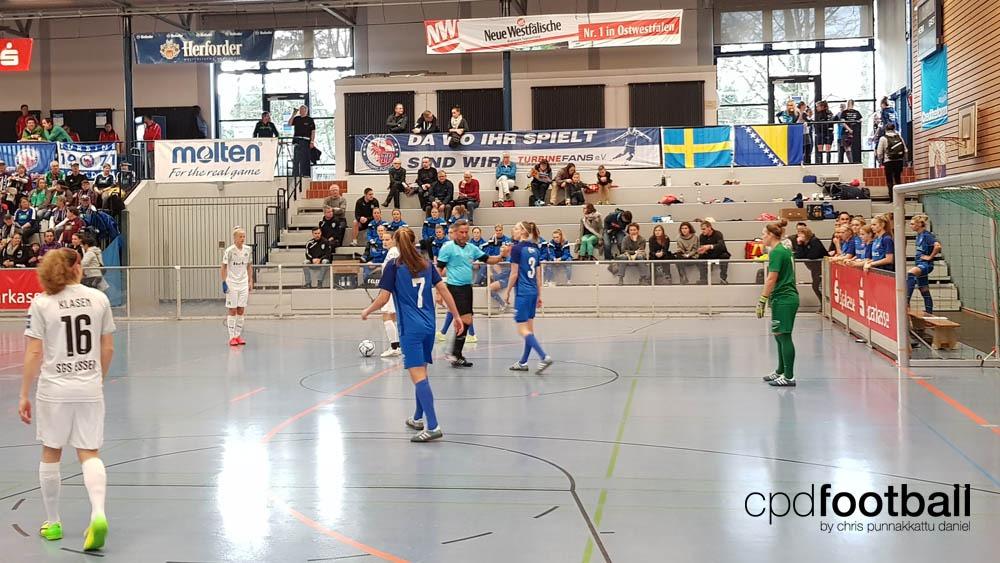 """Day 1: KoldingQ v SGS Essen - """"Weltklasse 2018"""" - 38. Internationales Frauenfußball-Hallenturnier des TuS Jöllenbeck"""