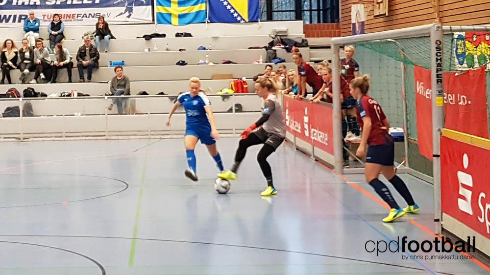 """Day 1: Turbine Potsdam v VSK Aarhus - """"Weltklasse 2018"""" - 38. Internationales Frauenfußball-Hallenturnier des TuS Jöllenbeck"""