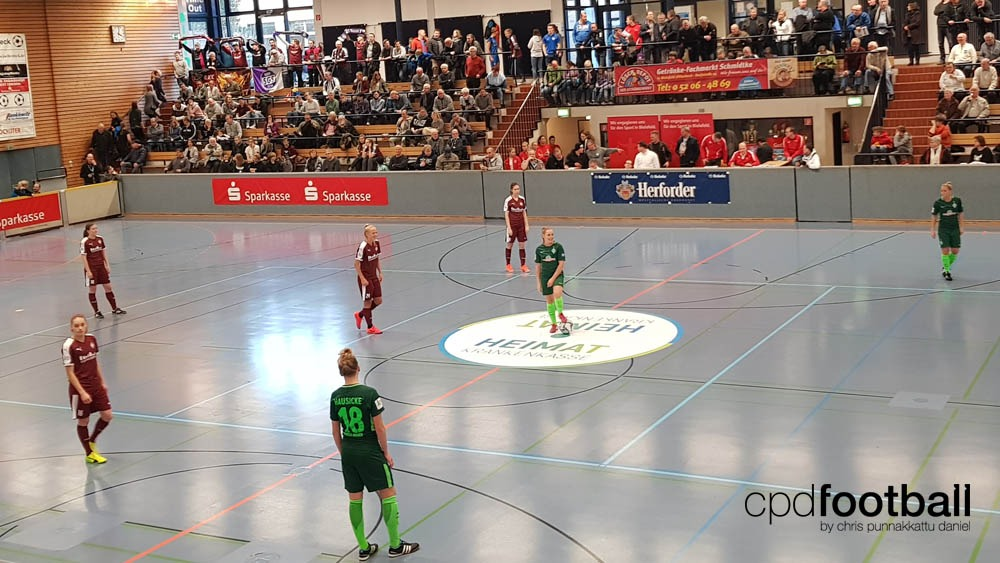 """Day 2: SGS Essen v SV Werder Bremen - """"Weltklasse 2018"""" - 38. Internationales Frauenfußball-Hallenturnier des TuS Jöllenbeck"""