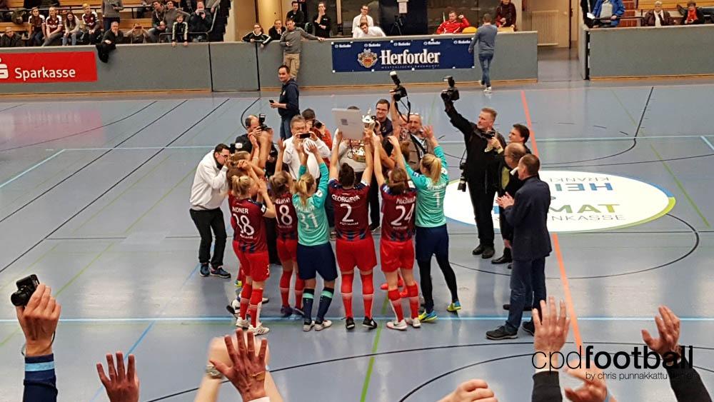 """Day 2: Turbine Potsdam celebrating their victory at """"Weltklasse 2018"""" - 38. Internationales Frauenfußball-Hallenturnier des TuS Jöllenbeck"""