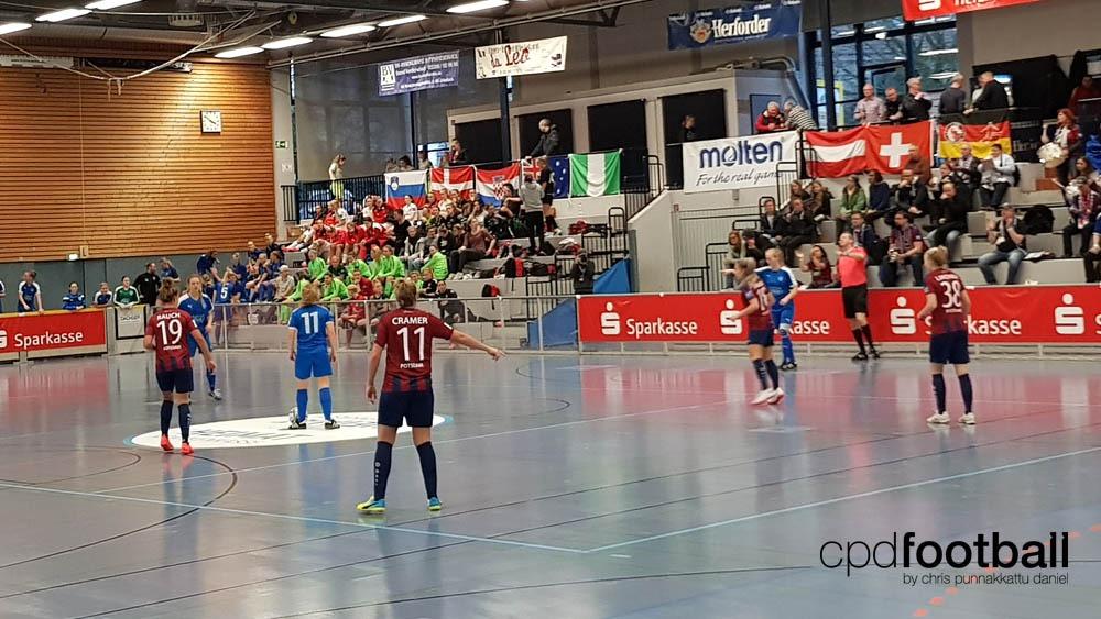 """Day 1: VSK Aarhus v Turbine Potsdam - """"Weltklasse 2018"""" - 38. Internationales Frauenfußball-Hallenturnier des TuS Jöllenbeck"""
