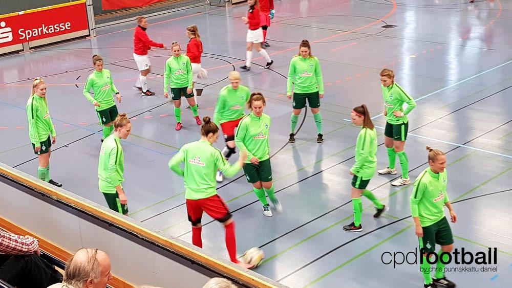 """Day 1: Werder Bremen squad warmin up at """"Weltklasse 2018"""" - 38. Internationales Frauenfußball-Hallenturnier des TuS Jöllenbeck"""