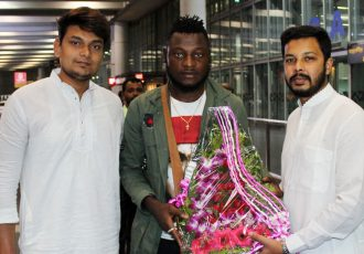 Bayi Kamo Stephane arrive in Kolkata to join Mohammedan Sporting (Photo courtesy: Mohammedan Sporting Club)
