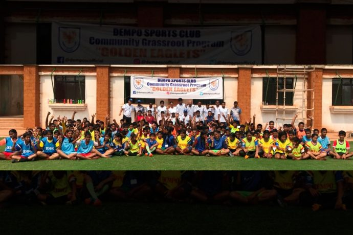 Dempo SC coaches with the participants of the Grassroots Festival at the Sanjay School Porvorim (Photo courtesy: Dempo SC)