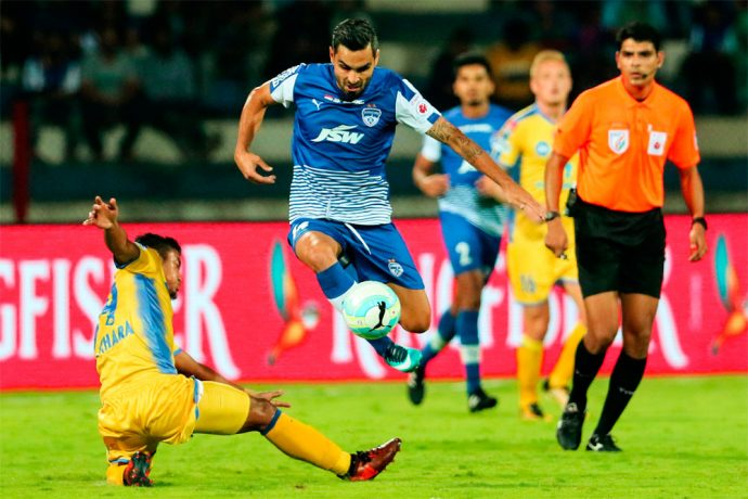 Bengaluru FC playmaker Dimas Delgado Morgado in action against Kerala Blasters FC in the Indian Super League. (Photo courtesy: Bengaluru FC)