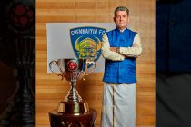 Chennaiyin FC head coach John Gregory with the Indian Super League (ISL) trophy. (Photo courtesy: Chennaiyin FC)