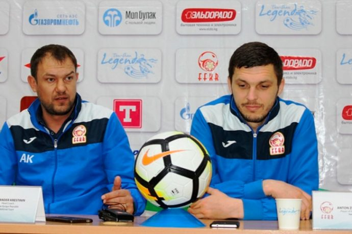 Kyrgyzstan national coach Alexander Krestinin (left) during the pre-match press conference ahead of the AFC Asian Cup UAE 2019 qualifier against India. (Photo courtesy: AIFF Media)