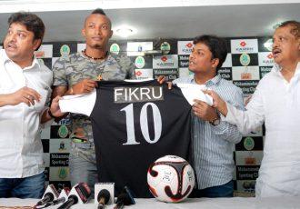 Mohammedan Sporting unveil Ethiopian star Fikru Teferra Lemessa (Photo courtesy: Mohammedan Sporting Club)