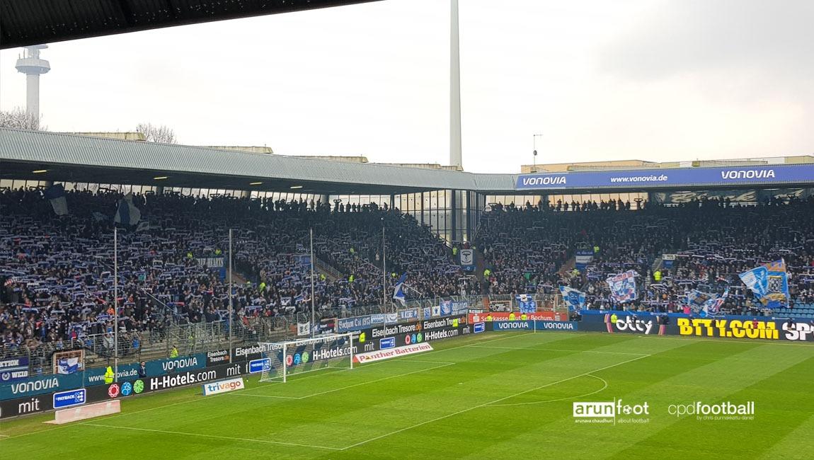"""VfL Bochum fans at the """"Ostkurve"""" before the VfL Bochum vs Eintracht Braunschweig match. (© arunfoot & CPD Football)"""