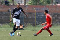 Mohammedan Sporting's Fikru Teferra Lemessa in action against Langsning FC in a Second Division League match. (Photo courtesy: Mohammedan Sporting Club)