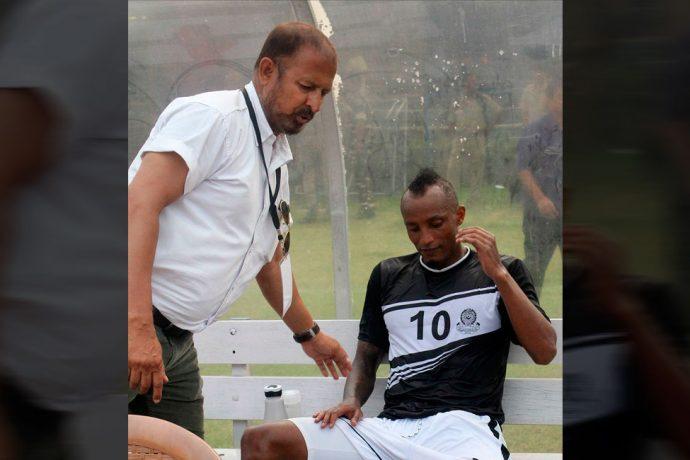 Mohammedan Sporting coach Biswajit Bhattacharya and star striker Fikru Teferra Lemessa (Photo courtesy: Mohammedan Sporting Club)