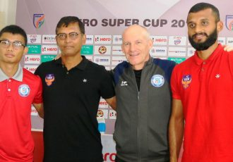 Jamshedpur FC's Steve Coppell and FC Goa's Derrick Pereira with their players at the Hero Super Cup 2018 pre-match press conference. (Photo courtesy: AIFF Media)