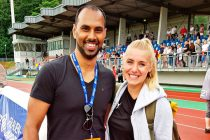 "Chris Punnakkattu Daniel and SGS Essen captain Ina Lehmann at the ""Sportpark am Hallo"" in Essen. (© CPD Football)"