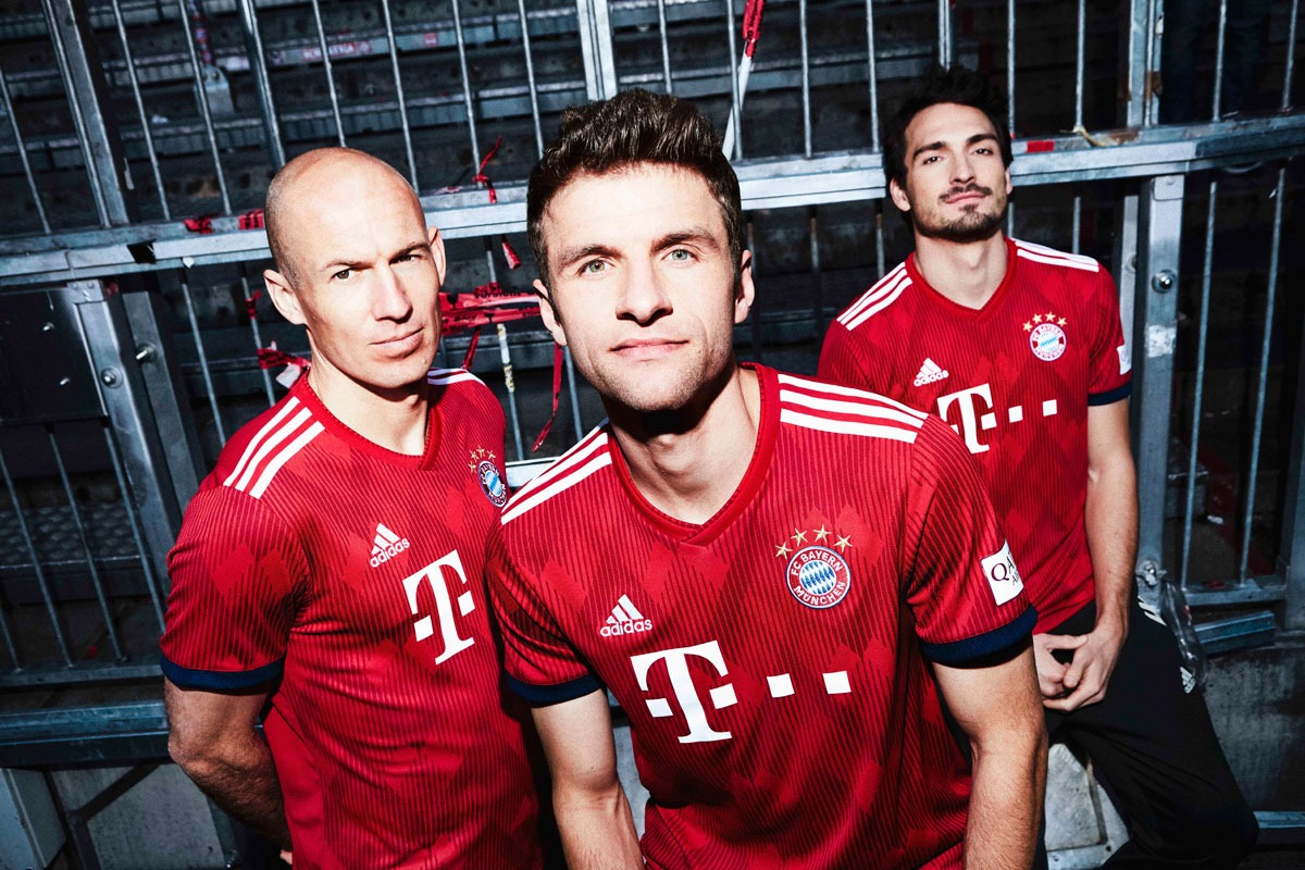 c3649ccea Red diamonds and record champions DNA  The new Bayern Munich 2018 19 home  kit