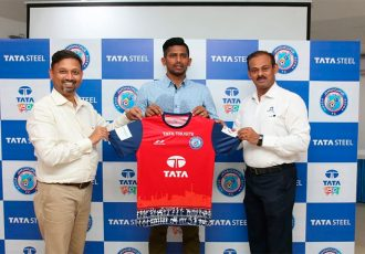 Raju Gaikwad signs for Jamshedpur Football Club. (Photo courtesy: Jamshedpur FC)