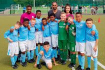 Chris Punnakkattu Daniel with the Manchester City FC U-10 team at the 10. PT Sports Juniorcup 2018 in Verl, Germany. (© CPD Football)