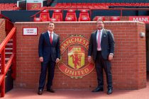 Kohler CEO David Kohler and Manchester United Group MD Richard Arnold at Old Trafford (Photo courtesy: Business Wire)