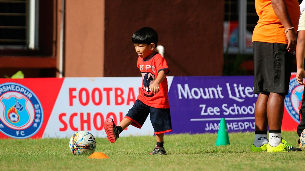 Jamshedpur Fc Launches Its First Football School At Mt Litera Zee