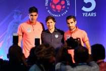 Bengaluru FC goalkeeper Gurpreet Singh Sandhu, head coach Carles Cuadrat and playmaker Dimas Delgado pose for the shutterbugs during the ISL Media Day in Bengaluru. (Photo courtesy: Bengaluru FC)