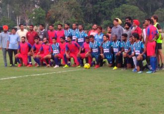 Minerva Punjab FC and Rail Coach Factory pose for a group photo ahead of their Punjab State Super Football League match. (Photo courtesy: Minerva Punjab FC)