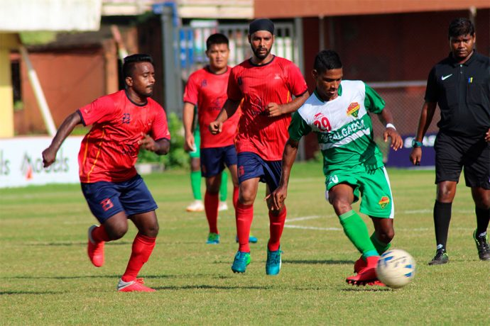 2018 AWES Cup semi-final match action between Salgaocar FC and ONGC. (Photo courtesy: AWES)