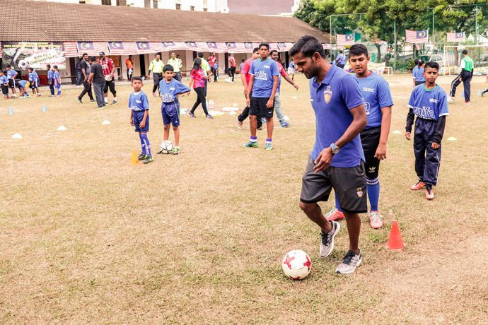 Chennaiyin FC participate in CSR initiative with MIFA at two Malaysian Tamil schools. (Photo courtesy: Chennaiyin FC)