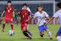 Match action between the India U-19 Women's national team and their counterparts from Thailand in the AFC U-19 Women's Championship Qualifiers. (Photo courtesy: AIFF Media)