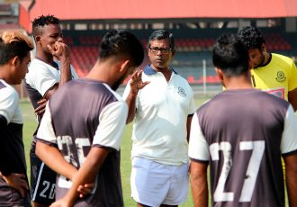 Head coach Raghu Nandi with the Mohammedan Sporting Club squad during a training session. (Photo courtesy: Mohammedan Sporting Club)