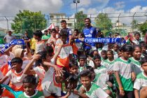 Chennaiyin FC players Thoi Singh and Francisco Fernandes inaugurate the Just For Kicks league for children. (Photo courtesy: Chennaiyin FC)