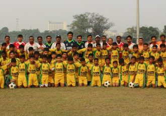 Players and officials of Mohammedan Sporting Club's Black Panthers Football Schools. (Photo courtesy: Mohammedan Sporting Club)
