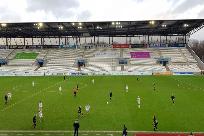 Allianz Frauen-Bundesliga (Women's Bundesliga) match action between SGS Essen and MSV Duisburg. (© CPD Football)