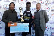 "Mohammedan Sporting's Phillip Adjah Tetteh receiving the ""Man of the Match Award"". (Photo courtesy: Mohammedan Sporting Club)"