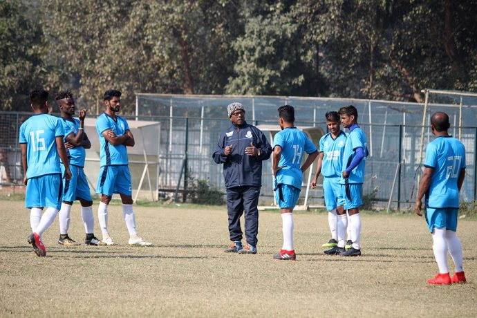 Mohammedan Sporting Club manager Raghu Nandy with his players during a training session. (Photo courtesy: Mohammedan Sporting Club)