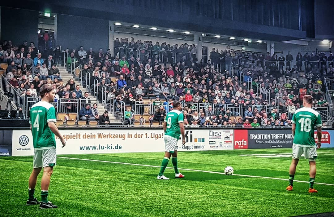 Ailton, one of the most iconic Brazilian footballers in Bundesliga history, was part of the SV Werder Bremen squad at the Budenzauber Emsland 2019. (© CPD Football)