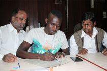 Mohammedan Sporting's new striker Desmos Arthur Kouassi at the IFA Office. (Photo courtesy: Mohammedan Sporting Club)