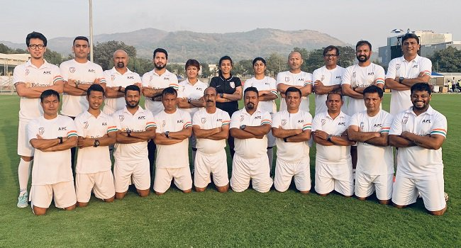 Anju Turambekar, Grassroots Department Head & Instructor, AIFF with the participants of the AIFF Grassroots Instructor Course in Navi Mumbai. (Photo courtesy: AIFF Media)