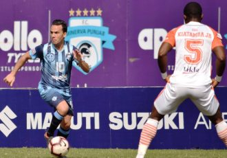 Minerva Punjab FC's Juan Quero Barraso in action against NEROCA FC in the Hero I-League. (Photo courtesy: AIFF Media)