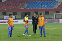 Head coach Maymol Rocky during the Indian Women's national team pre-match warm-up. (Photo courtesy: AIFF Media)