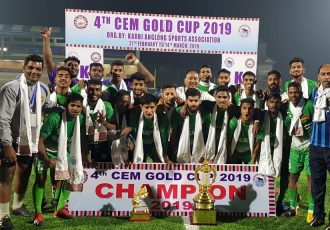 The victorious Salgaocar FC squad after the 4th CEM Gold Cup 2019 final. (Photo courtesy: Salgaocar FC)