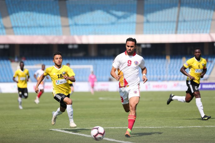 East Bengal's Enrique Esqueda in action against Real Kashmir FC in a Hero I-League match. (Photo courtesy: AIFF Media)
