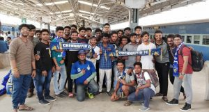 Chennaiyin FC fans at the Chennai Central station before leaving for Ahmedabad. (Photo courtesy: Chennaiyin FC)