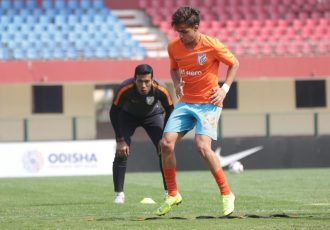 Assistant coach Mahesh Gawli supervising an Indian Arrows training session. (Photo courtesy: AIFF Media)