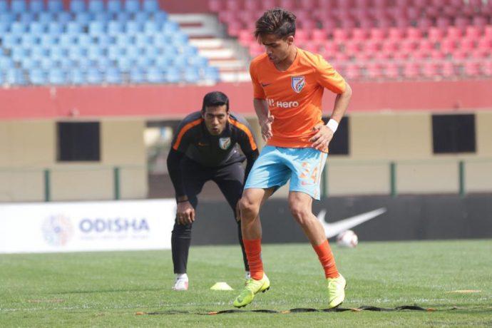 Assistant coach Mahesh Gawli supervising an Indian Arrows training session. (Photo courtesy: AIFF Media)