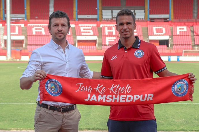 Julian Villar-Aragón, Technical Director, Jamshedpur FC and Memo. (Photo courtesy: Jamshedpur FC)