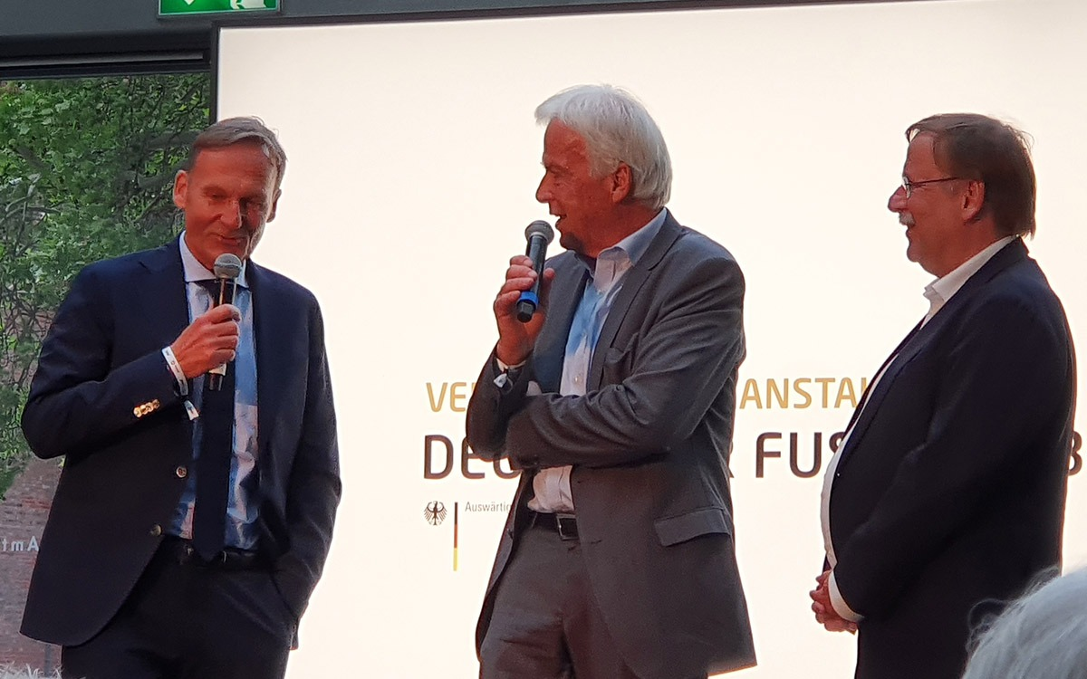 Borussia Dortmund CEO Hans-Joachim Watzke, Rainer Holzschuh and German FA (DFB) Vice-President Dr. Rainer Koch at the Deutscher Fussball Botschafter Awards Ceremony 2019 in Berlin. (© CPD Football)