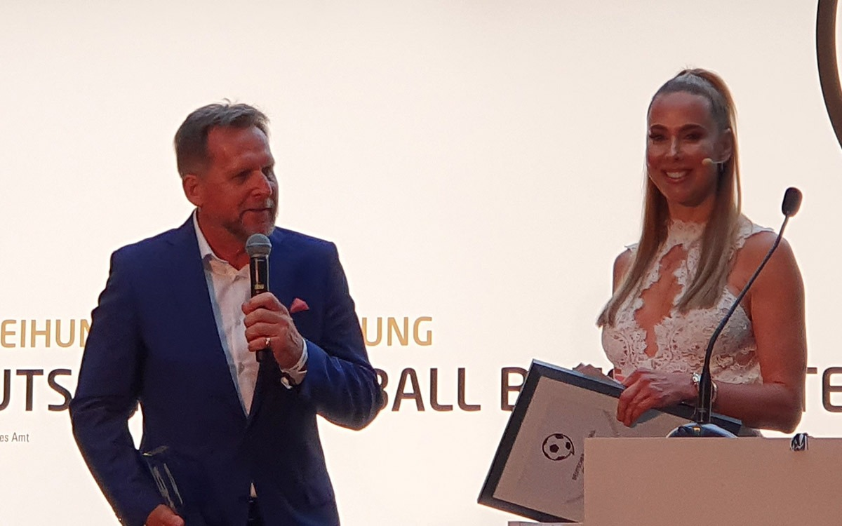 Germany legend Bernd Schuster and Sylvia Walker at the Deutscher Fussball Botschafter Awards Ceremony 2019 in Berlin. (© CPD Football)