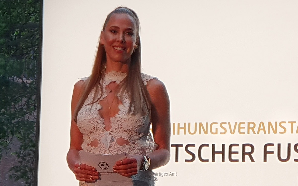 Sylvia Walker at the Deutscher Fussball Botschafter Awards Ceremony 2019 in Berlin. (© CPD Football)