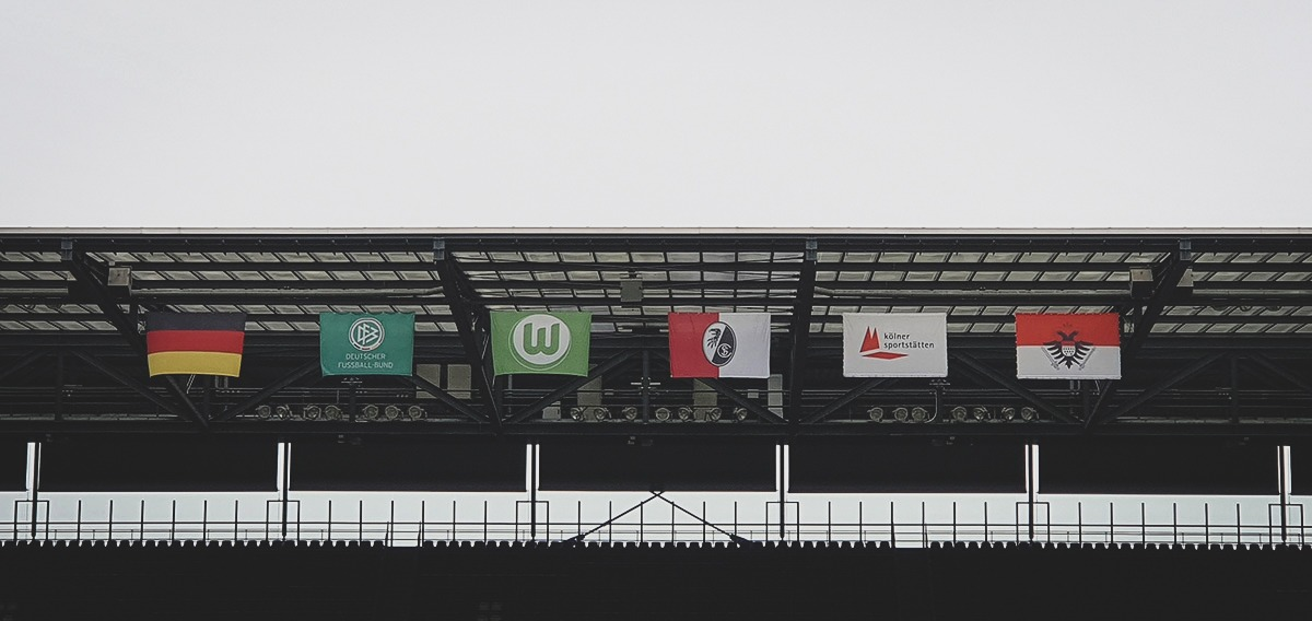 Various flags at the RheinEnergieSTADION in Cologne. (© CPD Football)